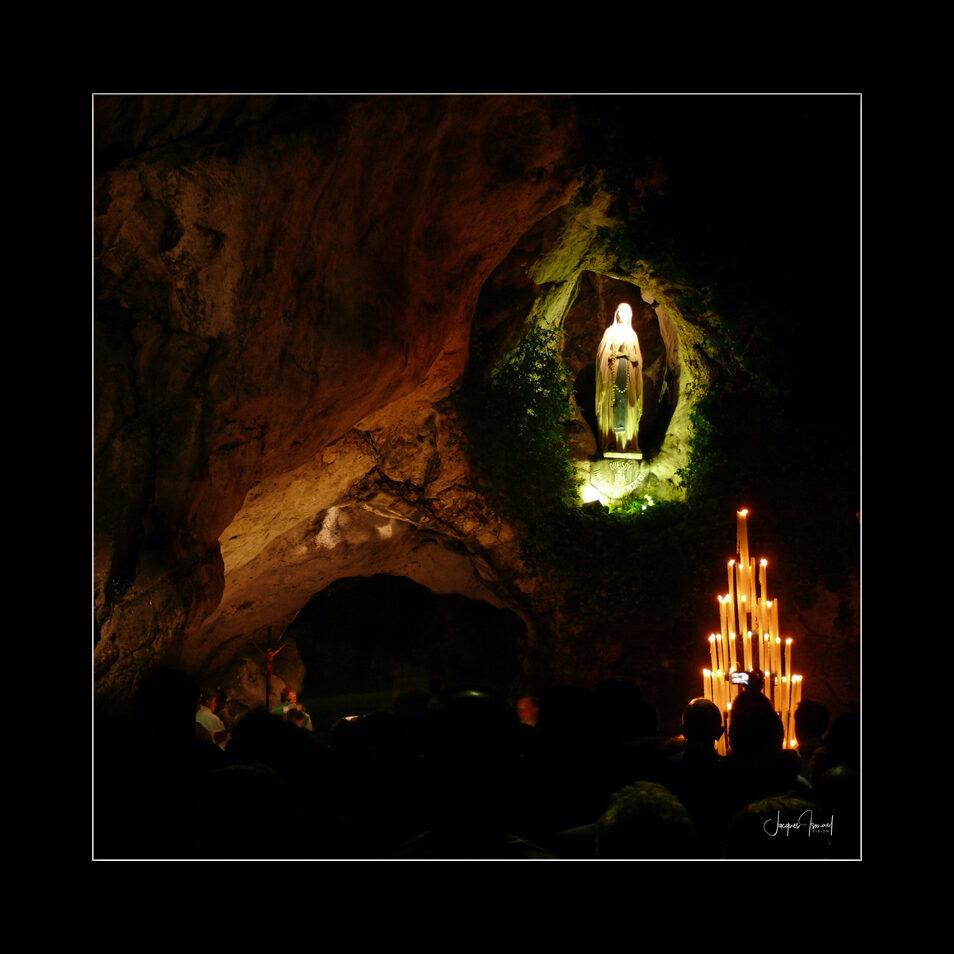 Lourdes c249954